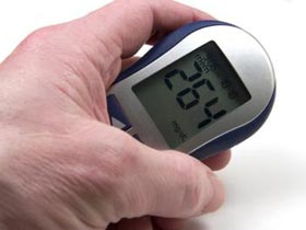 why diabetes low blood sugar